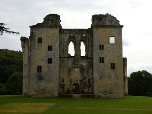 Widok na Old Wardour Castle