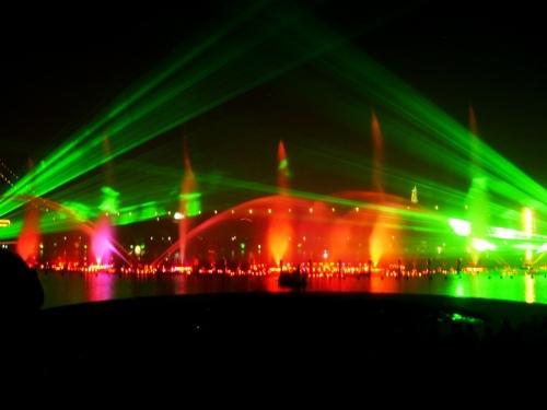 Fontanny, lasery i muzyka (1)