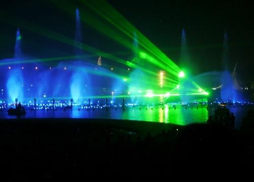 Fontanny, lasery i muzyka (2)